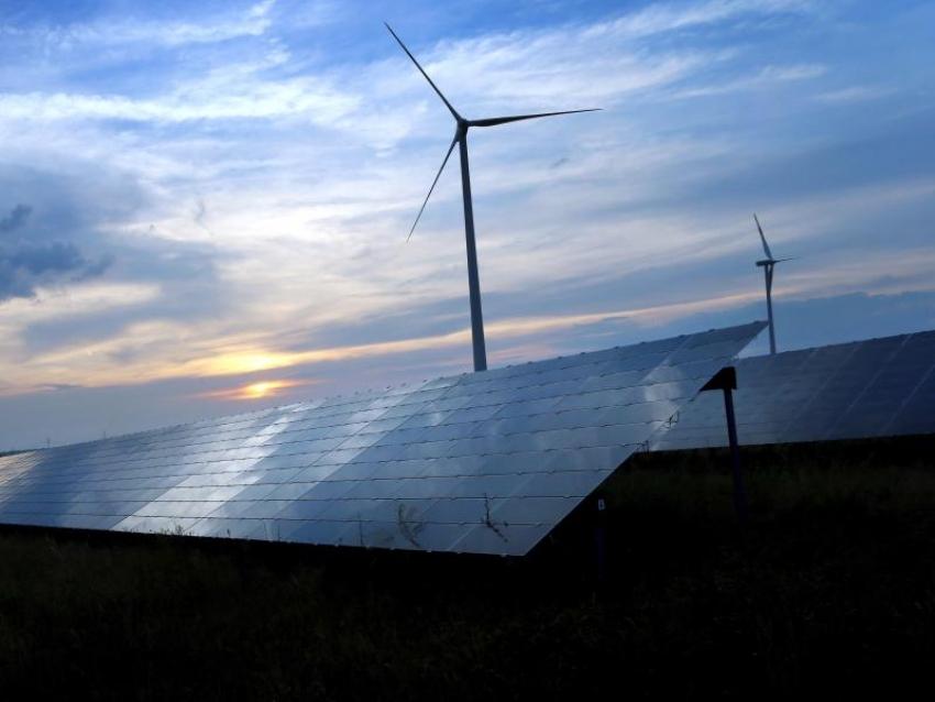 Anteil Erneuerbarer Energien steigt schneller